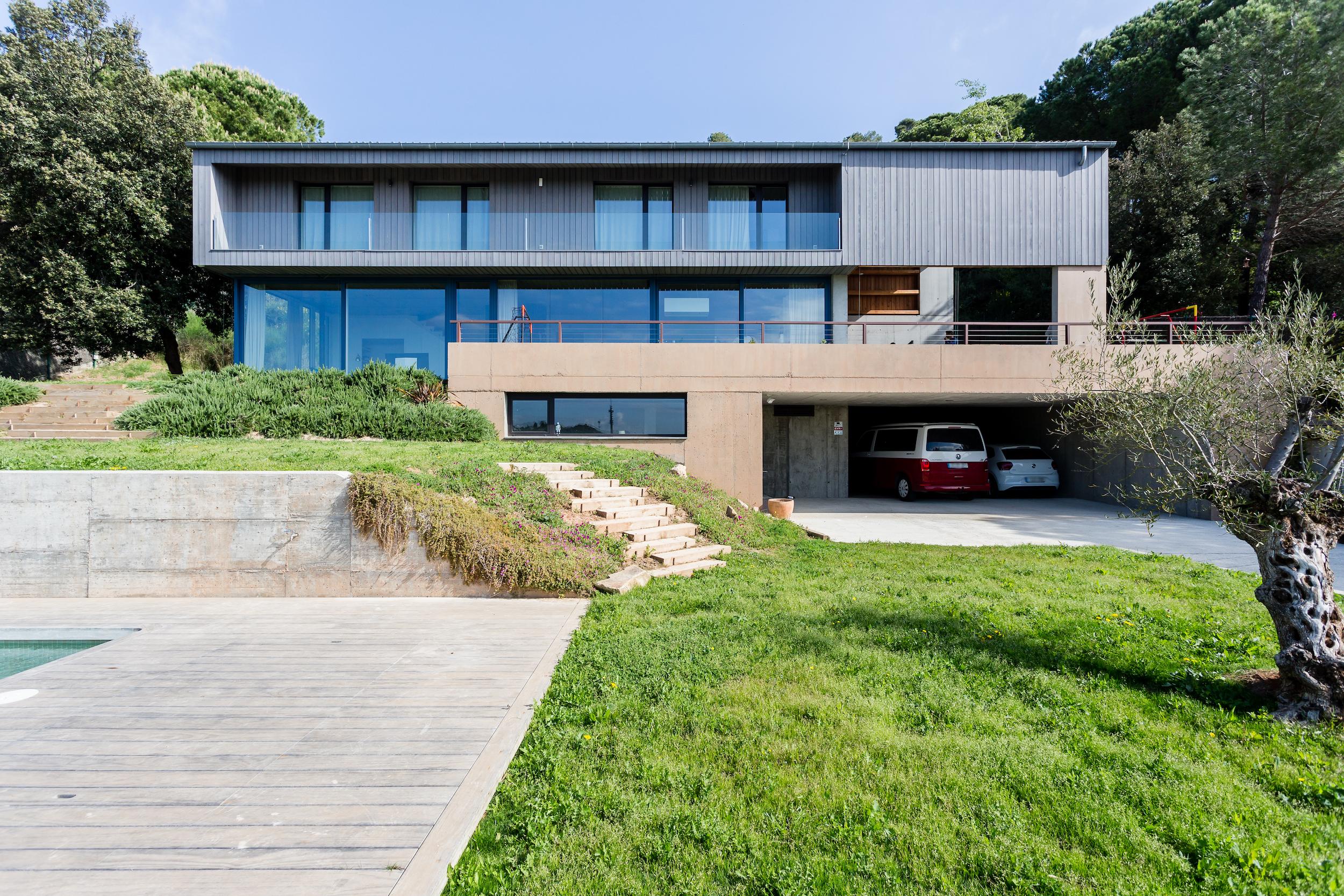 Proyecto Passivhaus Girona. Diseñada por Tigges Architekt y Energiehaus Arquitectos. Partner de Loxone Progetic Projectes Sostenibles